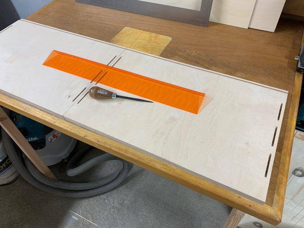 Szafki wiszące - przygotowanie korpusów meblowych